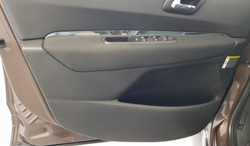 Peugeot 3008 HYbrid4 4X4 completo
