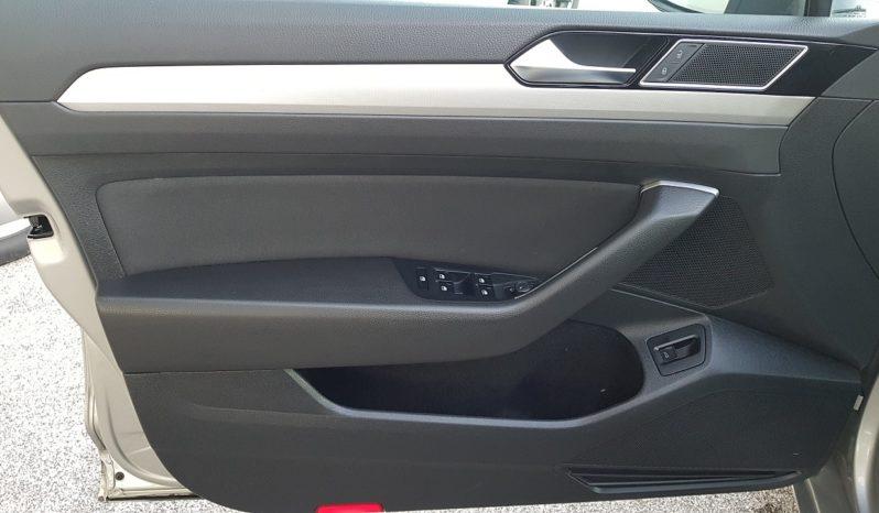Volkswagen Passat Business 2.0 TDI DSG – NAVI – RADAR – PDC completo