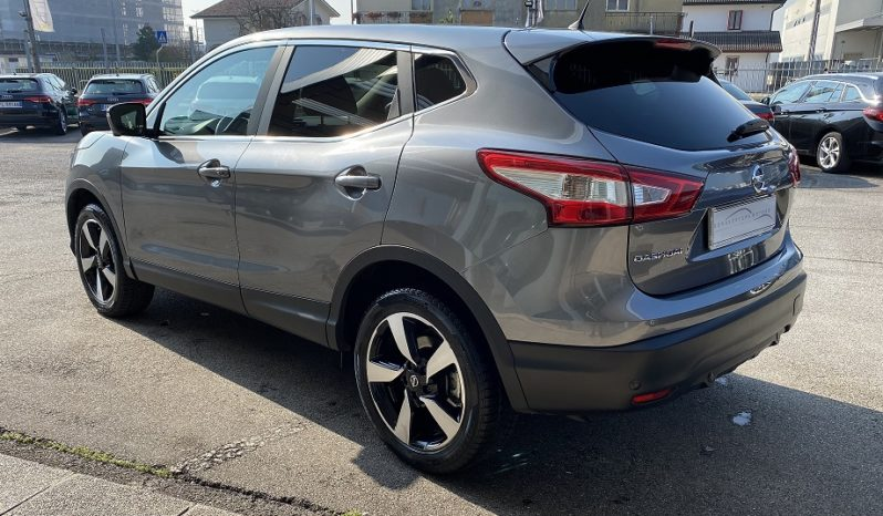 "Nissan Qashqai 1.6 dCi N-Connecta ""CRUISE-NAVI-CAMERA 360"" completo"